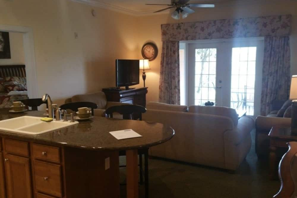 Apartemen, beberapa kamar - Ruang Keluarga