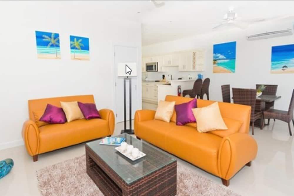 Luxury Villa, 1 Bedroom, Oceanfront - Living Room