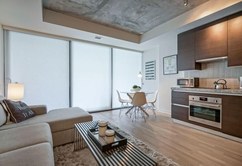 Spectular 1BR Condo in Hot King West, Toronto