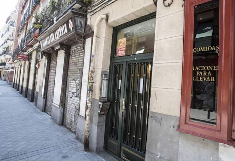 Alterhome Puerta de Toledo II, Madrid, Eingangsbereich