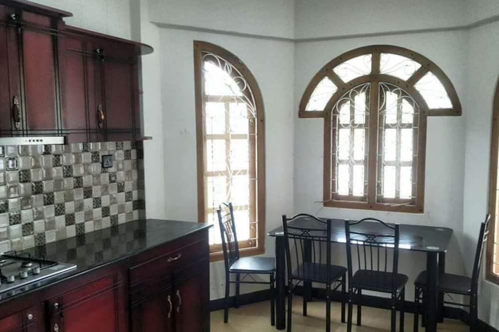 Family Double Room, Garden Area - Bathroom