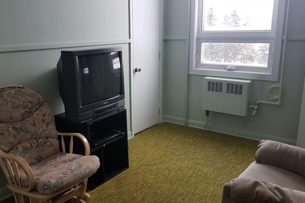 Deluxe lakosztály, 2 kétszemélyes ágy, privát fürdőszoba, tó felőli - Nappali