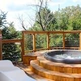 Розкішний котедж, багатомісний номер, ванна з гідромасажем, з видом на річку - Спа-ванна під відкритим небом