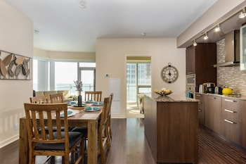 Picture of QuickStay - Upscale 3-Bedroom with Gorgeous Lake View in Toronto