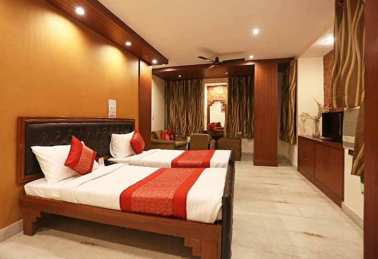 Hotel City Castle, New Delhi, Deluxe Double or Twin Room, 4 Bedrooms, Non Smoking (Air Conditioned), Living Room