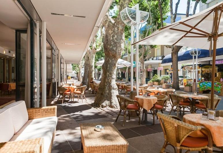 Hotel Aris , Bellaria-Igea Marina, Terrasse/patio