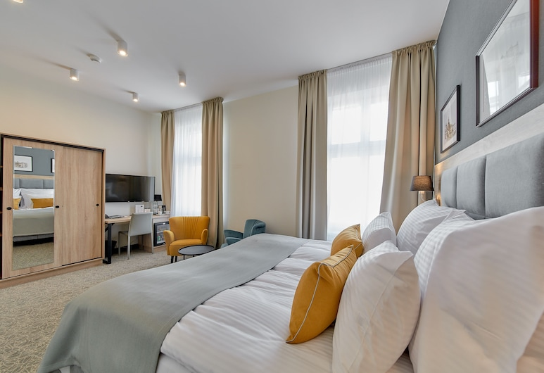 Hotel 32 Kraków Old Town, Krakow, Deluxe Double Room, 1 King Bed, Guest Room