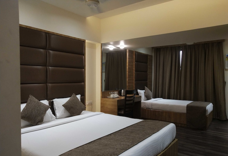 Hotel Heritage Dakshin, Νάβι Μουμπάι, Family Δωμάτιο, 1 Queen Κρεβάτι, Δωμάτιο επισκεπτών