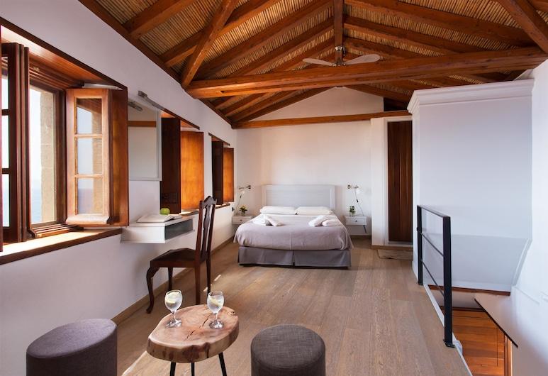 Kalnterimi Suites, מונמבסיה, סוויטה, 2 חדרי שינה, 2 חדרי רחצה (Split Level), חדר אורחים