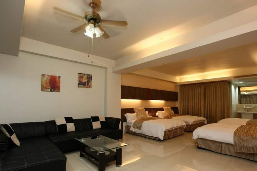 Room (8-Person) - Guest Room