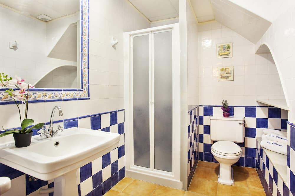 House, 3 Bedrooms - Bilik mandi