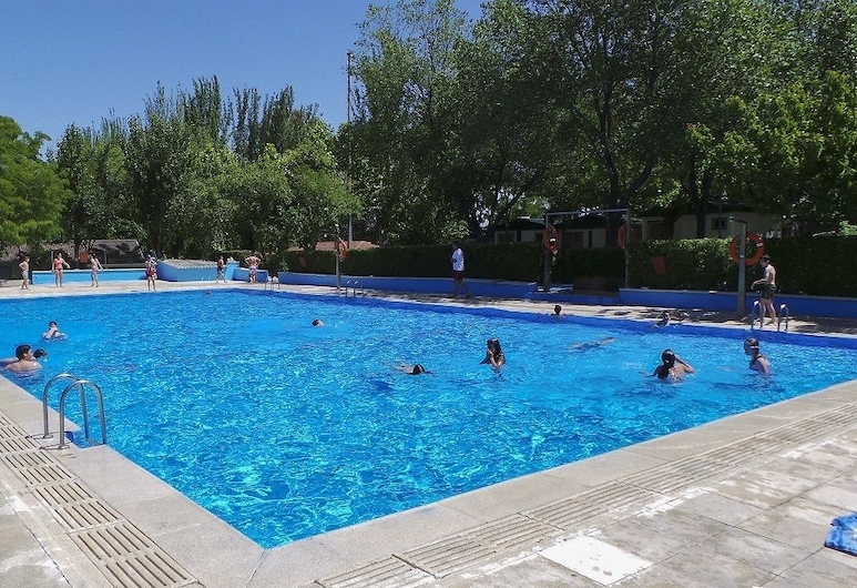 Bungalows Camping Alpha Madrid, Getafe