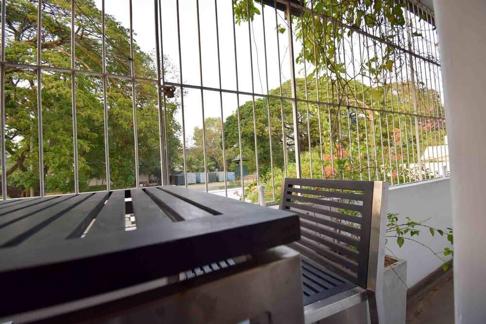 Štandardná dvojlôžková izba, 1 veľké dvojlôžko, súkromná kúpeľňa, výhľad na mesto - Balkón
