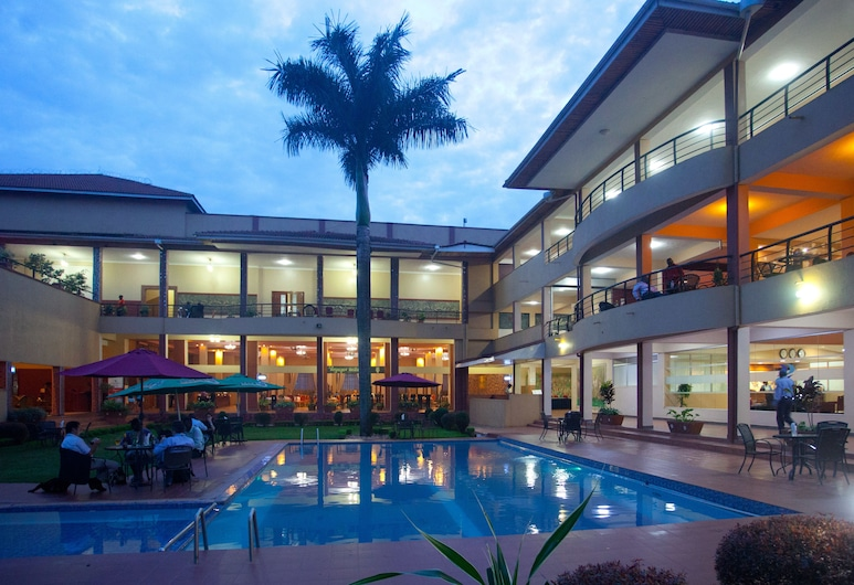 Silver Springs Hotel Uganda, Kampala, Alberca al aire libre