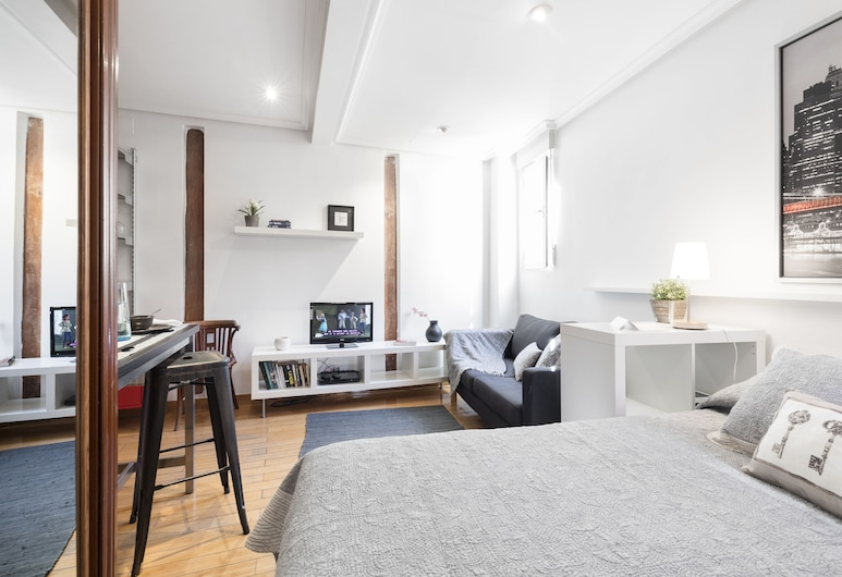 Fuencarral Apartments by FlatSweetHome, Madrid, Comfort Studio (Fuencarral Studio F), Living Area