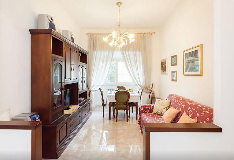 Caterina Embassy Apartment, Rome, Apartment, 3 Bedrooms, Living Area
