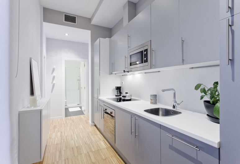 Gran Via Apartments by FlatSweetHome, Madrid, Apartment, 1 Bedroom (Gran Via III), Private kitchen