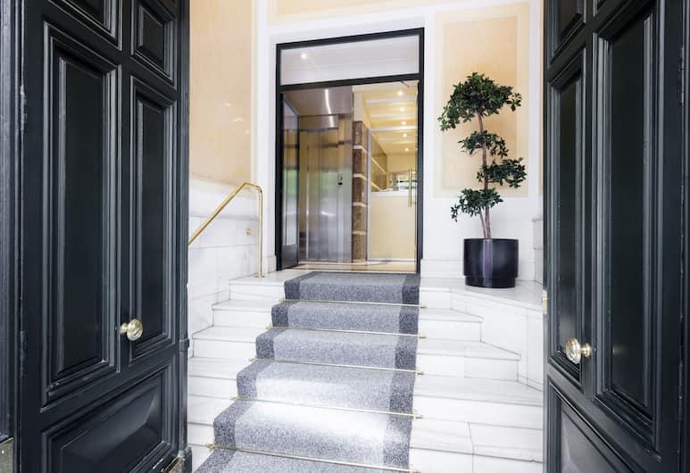 Serrano Apartment  by FlatSweetHome, Madrid, Lobby