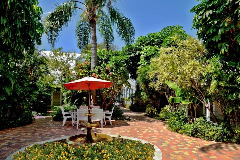 Book Old Town Garden Villas Villa 5 in Key West | Hotels.com