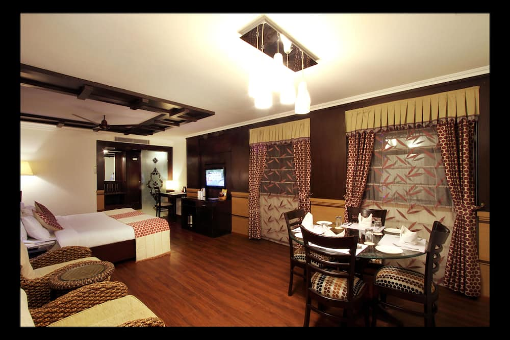 Suite Eksekutif, 1 Tempat Tidur King - Tempat Makan Di Kamar