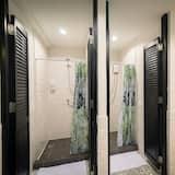 4-Bed Female Dormitory  - Bilik mandi