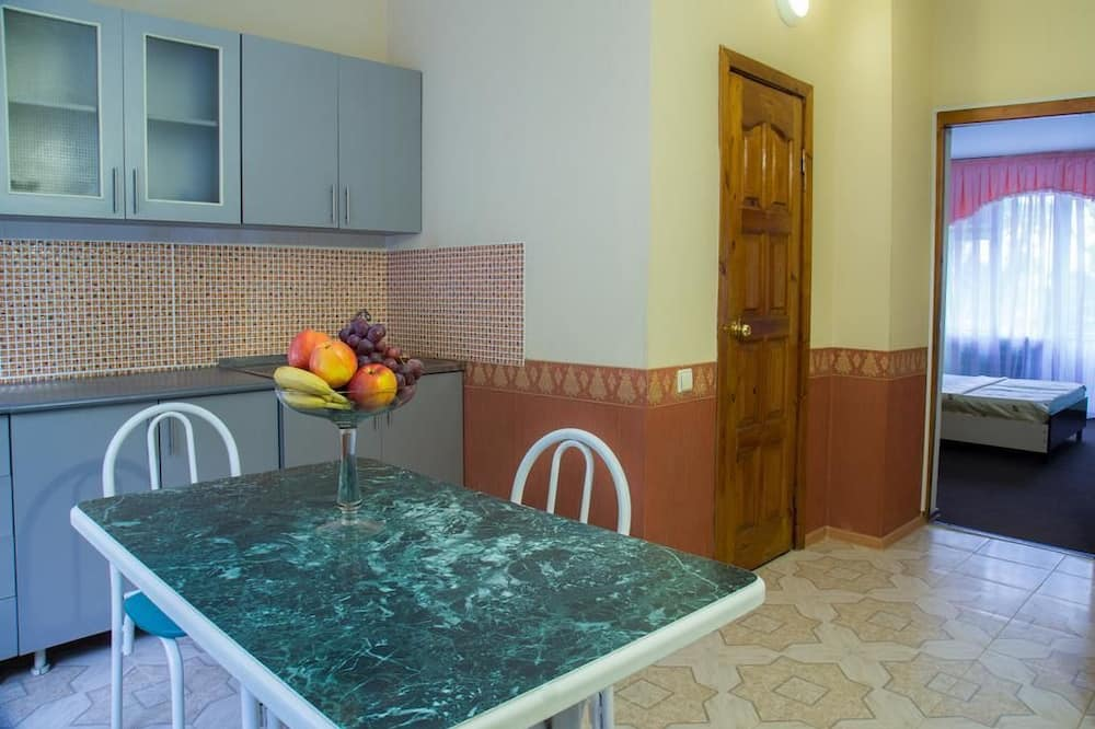Family Apartment, 2 Bedrooms, Kitchen - In-Room Dining