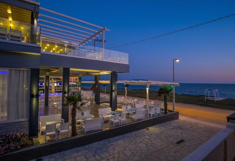 Must Boutique Hotel, Preveza, Vakarienės lauke