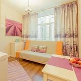 Basic Quadruple Room - Living Area