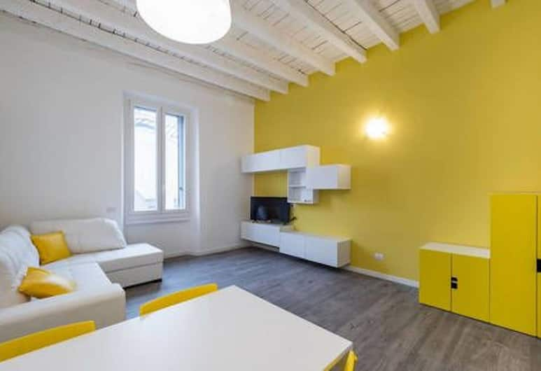 Central station Apartment, Milan