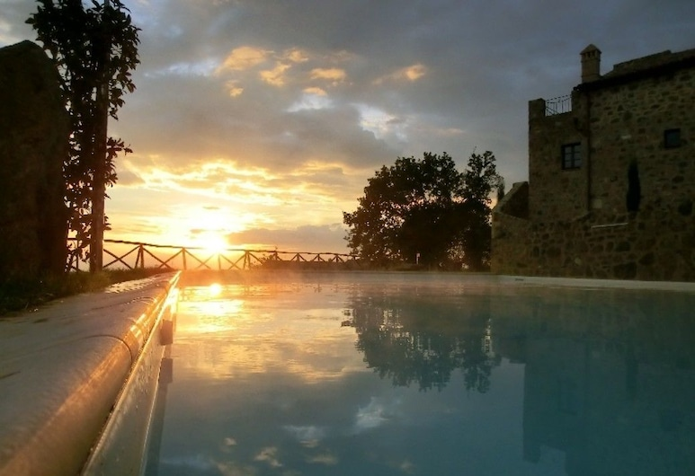 Castel Brunello, Montalcino, Açık Yüzme Havuzu