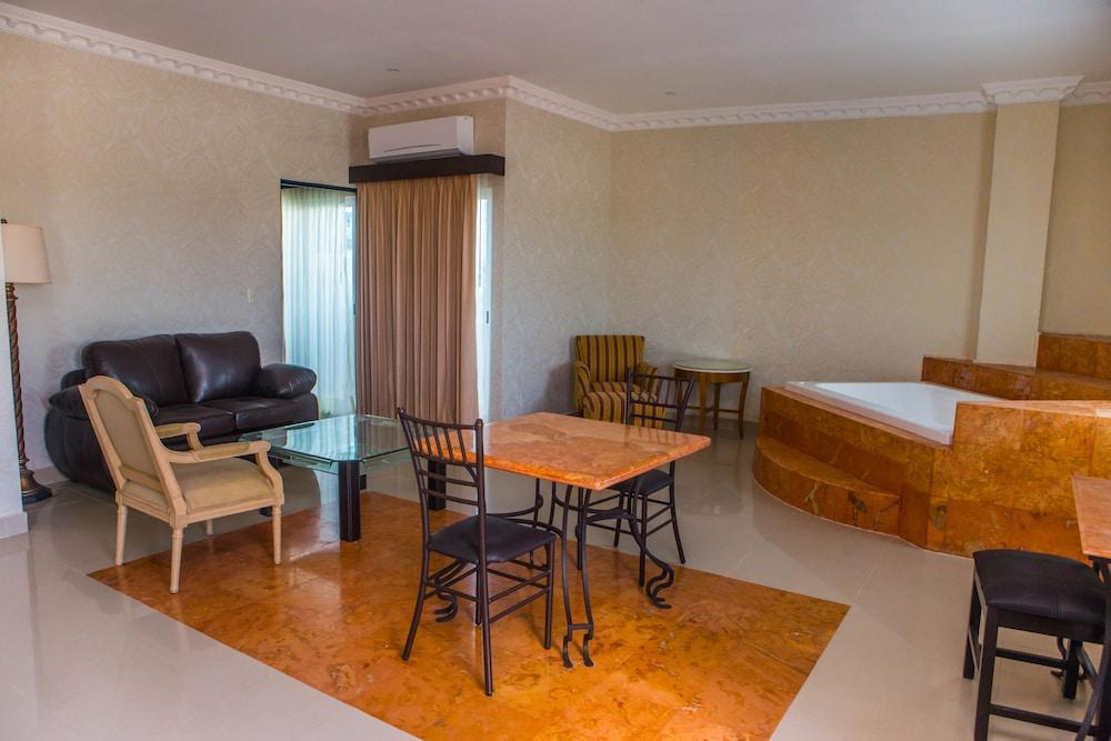 Hotel palacio maya m rida m xico hoteles en m rida for Hoteles en merida con piscina