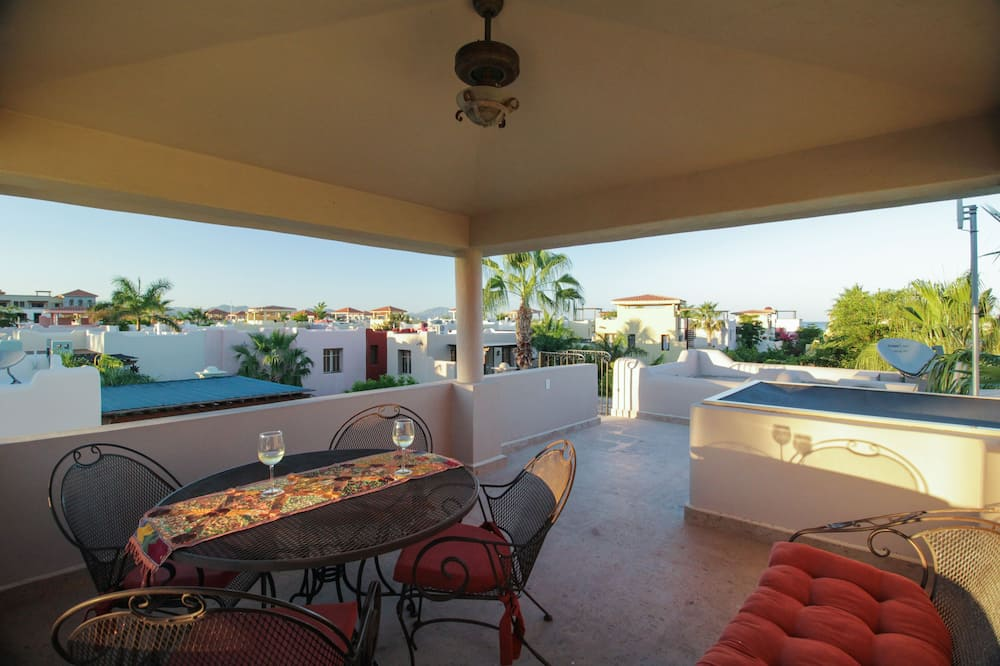 Family Townhome, 2 Bedrooms, 2 Bathrooms - Terrace/Patio