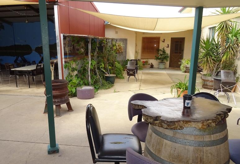 Paringa Hotel Motel, Paringa, Terraza o patio