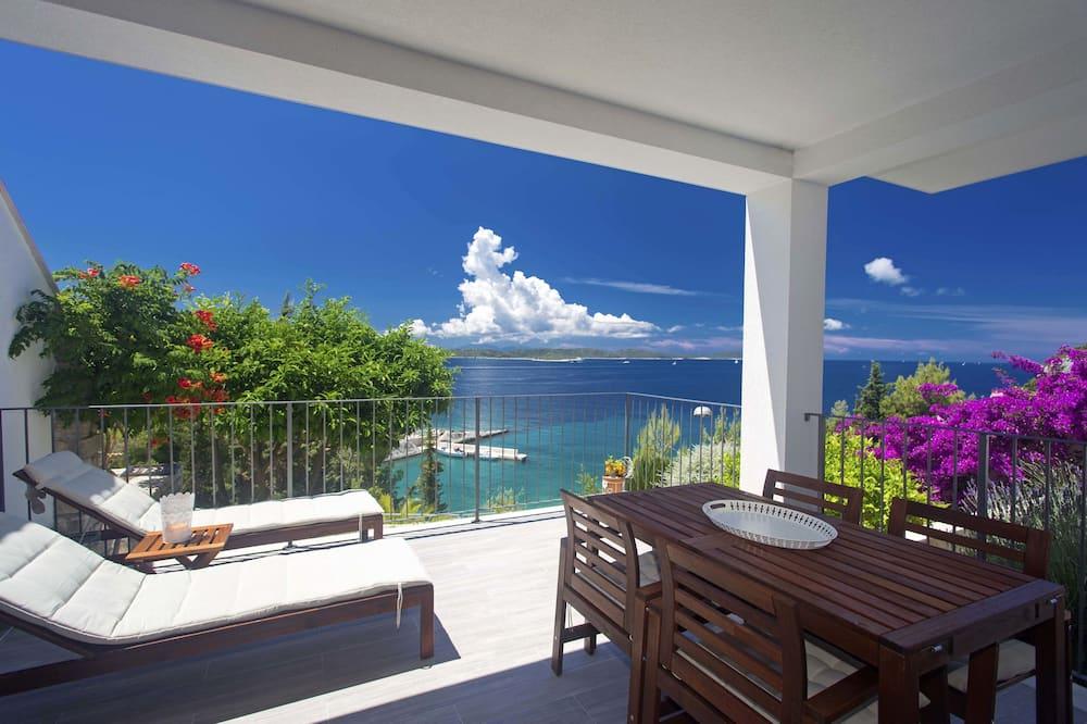 Superior Apartment (Deep Blue) - Balcony