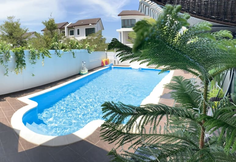 HUPO Resort Beach Front Pool Villa, George Town, Açık Yüzme Havuzu
