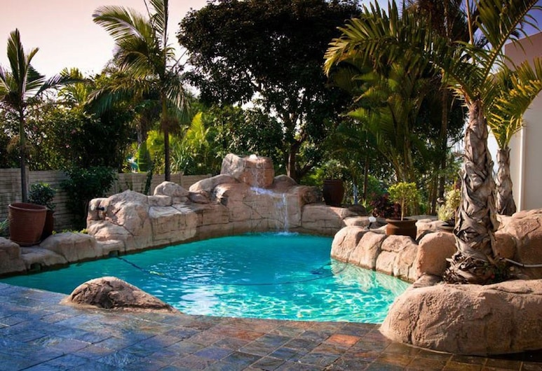 Rostalyn Guesthouse, Umhlanga, Pool Waterfall