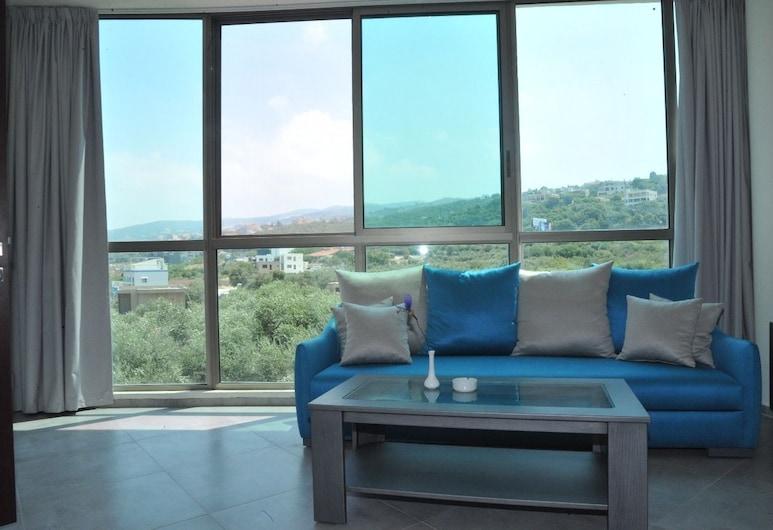 Le Six Resort Hotel, Batroun, Executive Suite, 1 Bedroom, Kitchenette, Mountain View, Living Area