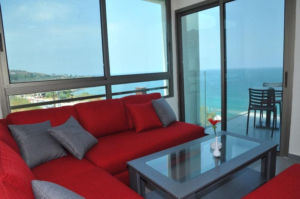 Luxury Suite, 1 Double Bed, Sea View - Living Area