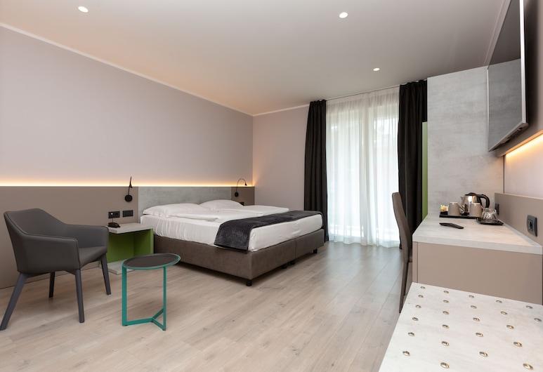 Garda Life, Riva del Garda, Superior Double Room, Balcony, Guest Room