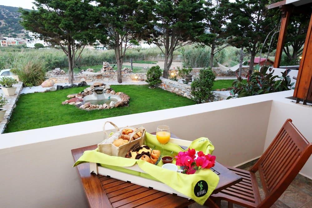 Basic Studio, 1 Bedroom, Hot Tub, Garden View (3 Adults) - Balcony