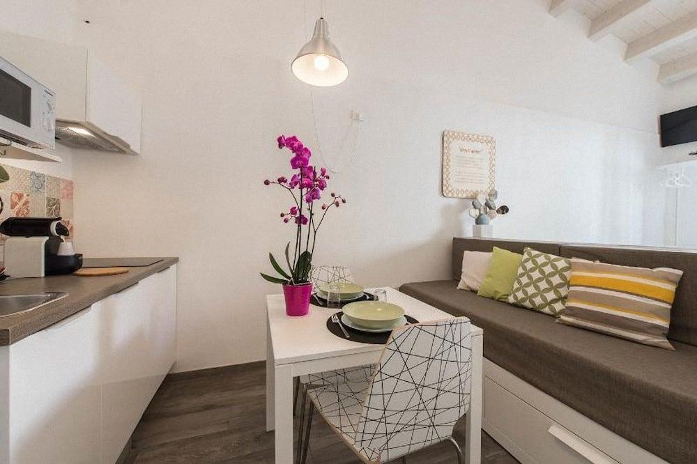 Studio, 1Queen-Bett und Schlafsofa, Balkon (Amuri Amuri) - Wohnbereich