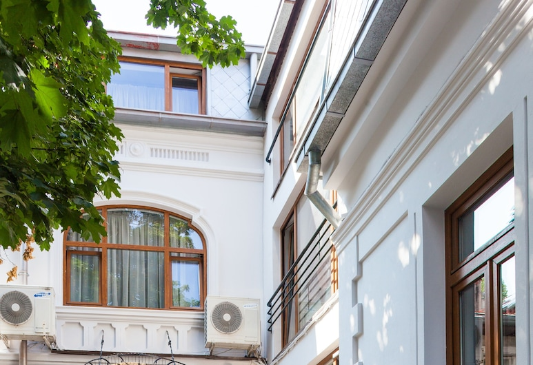 Vatra Accommodation, Bukarest, Hoteleingang
