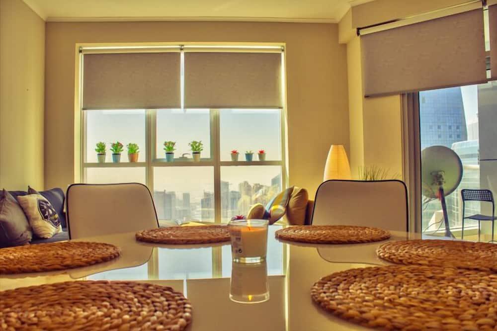 Paaugstināta komforta dzīvokļnumurs, divas guļamistabas - Numura ēdamzona