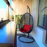 Luxury Apartment, 2 Bedrooms, Smoking, Balcony - Balcony