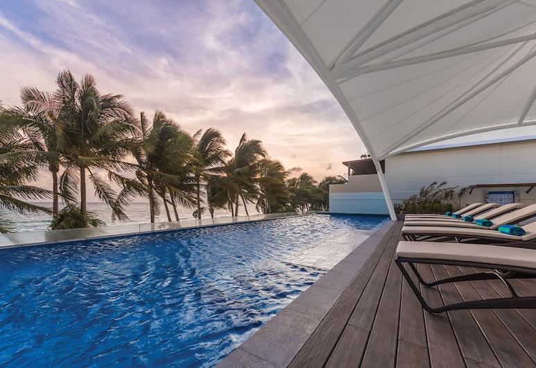 Henann Palm Beach Resort, Boracay Island, Pokój Deluxe, Basen na dachu