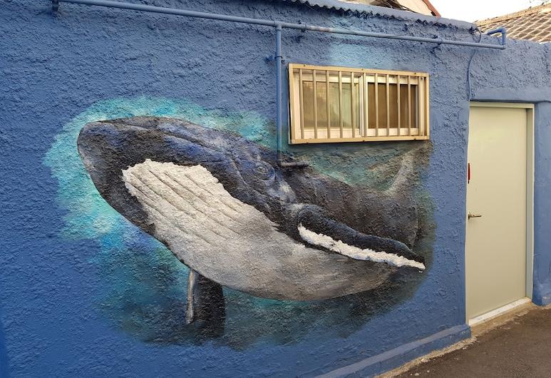 Jinho's Black Whale Guesthouse & Bar, Seulas