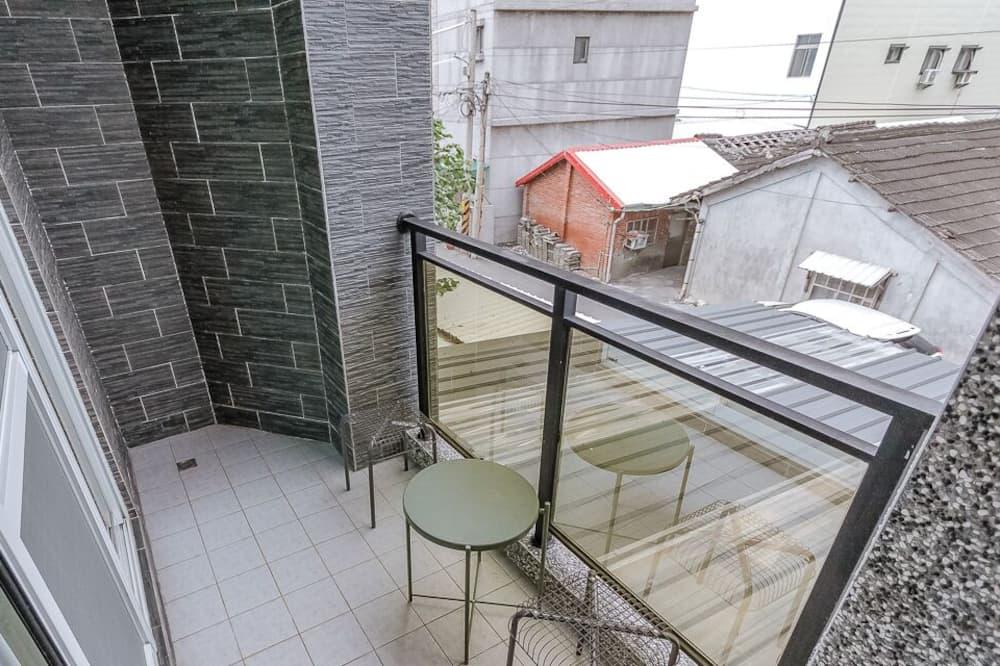 חדר גלריה זוגי, מיטה זוגית - נוף מהמרפסת