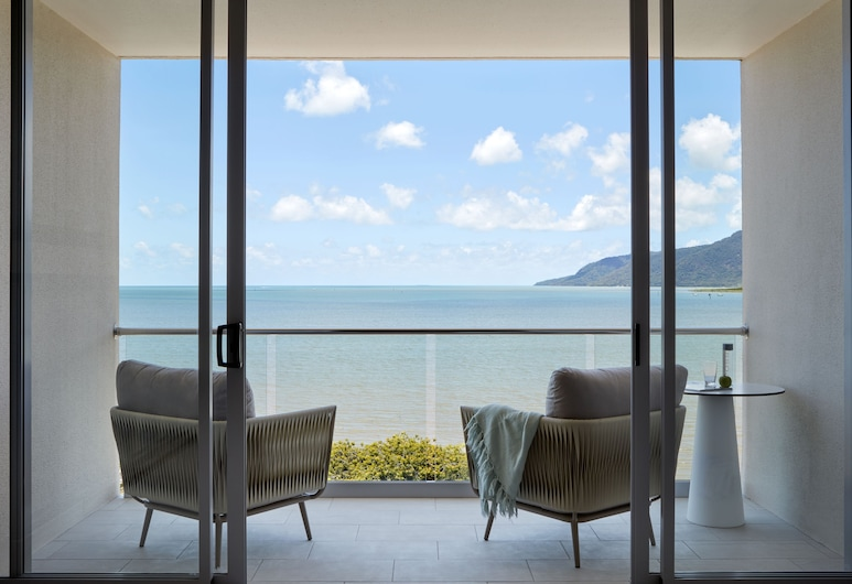 Riley, a Crystalbrook Collection Resort , Cairns, Zimmer, Balkon