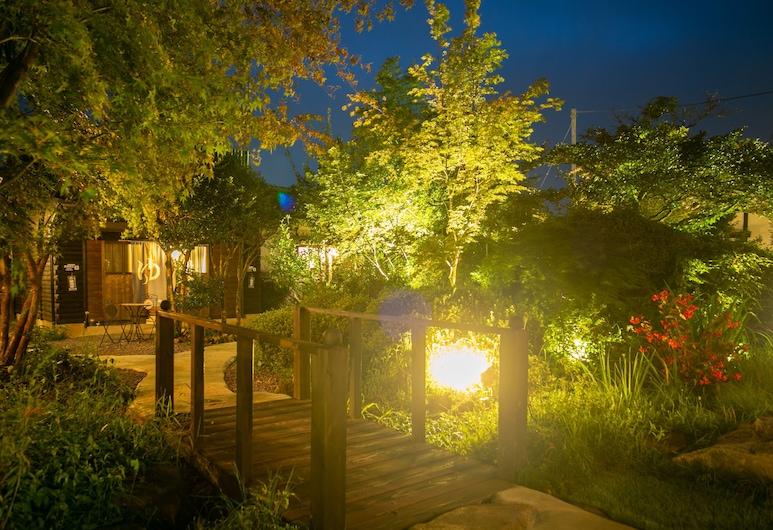 Yufuin Lamp no Yado, Yufu, Garden