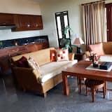 2-Bedroom Condo with Sea View - Ruang Tamu